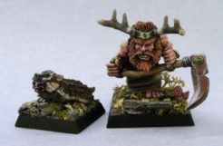 Reaper Dark Heaven Legends 03216 Dwarf Druid and Badger